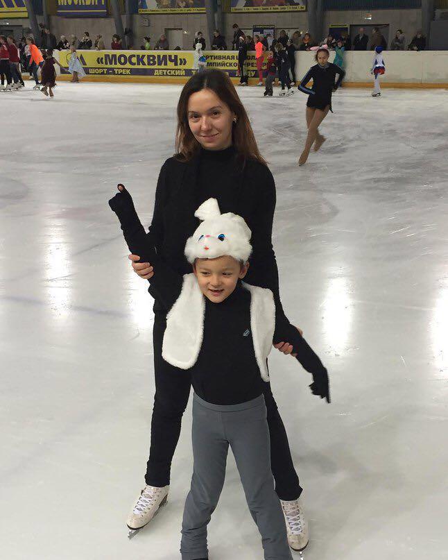 Тренер по фигурному катанию Феклисова Ольга