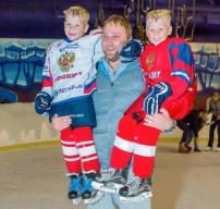 Детская площадка с Дарьей Мироновой. Гость - Валерий Климов (хоккей)