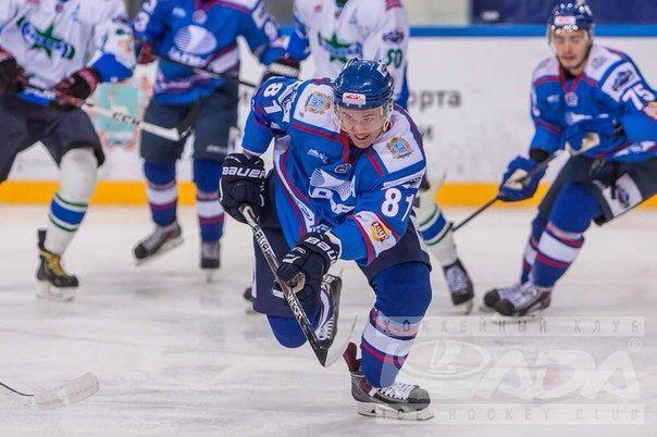 Тренер по хоккею Никита Марковский