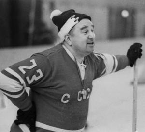 Выдающийся тренер по хоккею